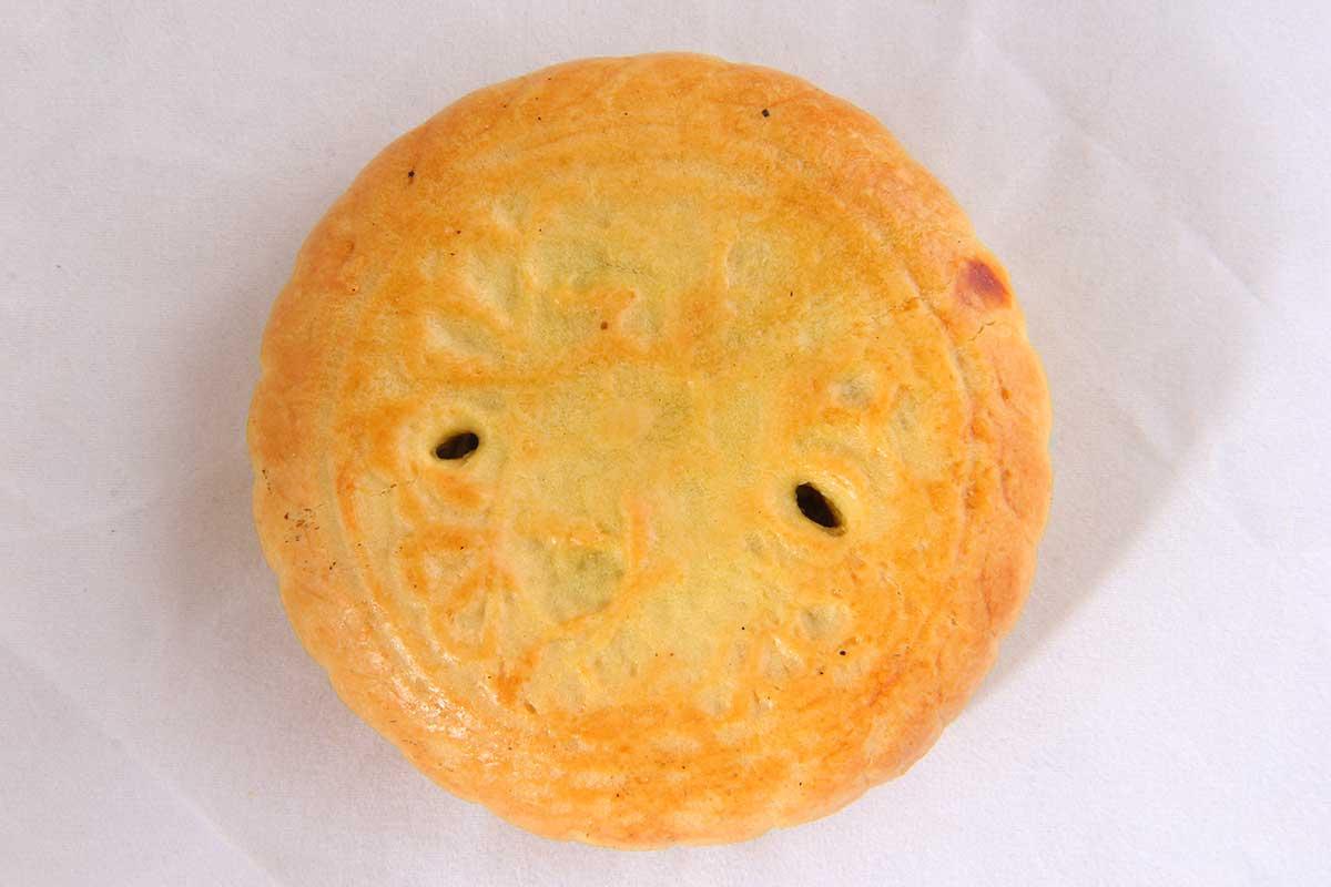 人们中秋节吃月饼据说是什么,中秋节吃月饼由